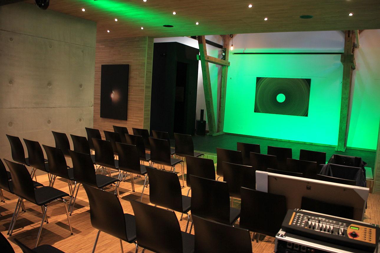 Kleine Bühne im Kunsthaus Waldsassen.