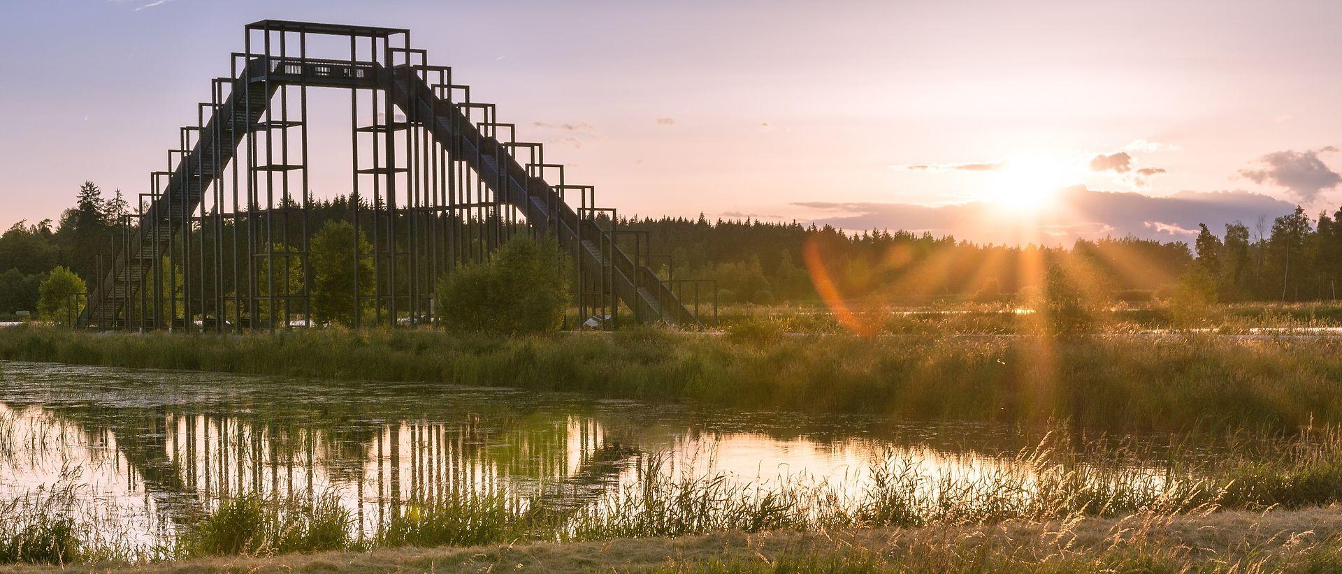 Die Himmelsleiter in der Tirschenreuther Teichlandschaft.